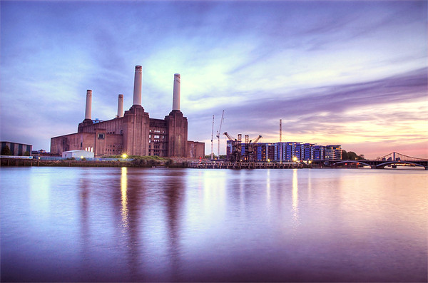 Battersea Power Station Canvas print by Martin Williams