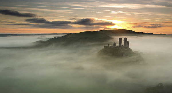 Castle in the Clouds Canvas Print by Andrew Bannister
