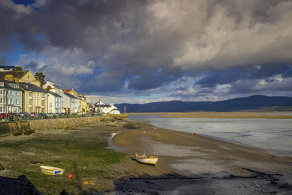 Aberdovey Seafront Canvas print by Mark Llewellyn
