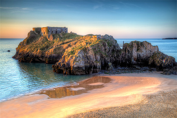 St Catherines Island Tenby Canvas print by Simon West