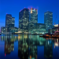 Buy canvas prints of Canary Wharf at dusk by Stuart Gennery