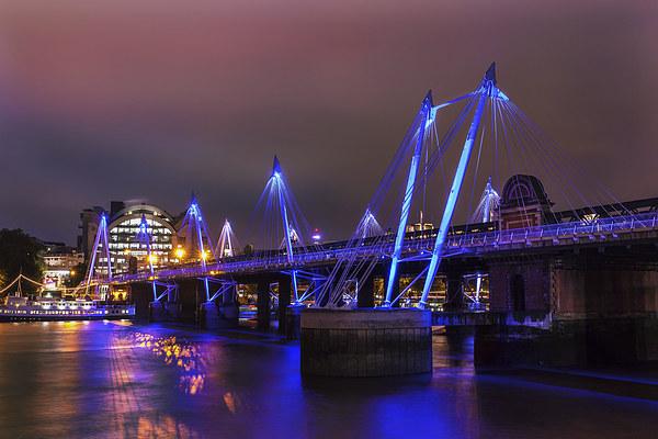 Hungerford Bridge Print by Stuart Gennery