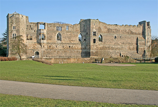 Newark Castle Canvas print by Rachel & Martin Pics