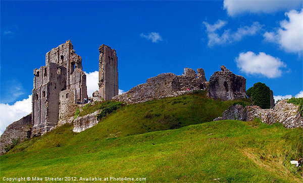 Corfe Castle Canvas print by Mike Streeter