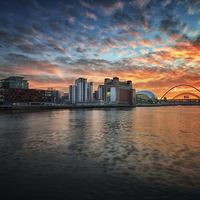 Buy canvas prints of  Spectacular sunset over Newcastle Upon Tyne by Tom Hibberd