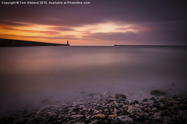Sunrise at Tynemouth Bay Canvas print by Tom Hibberd