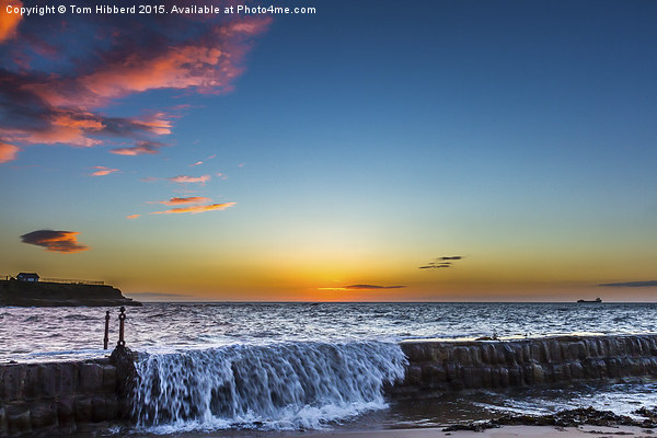 Gloriuos sunrise over Cullercoats Canvas print by Tom Hibberd