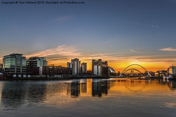 Sunset across Newcastle Upon Tyne and Gateshead Canvas print by Tom Hibberd