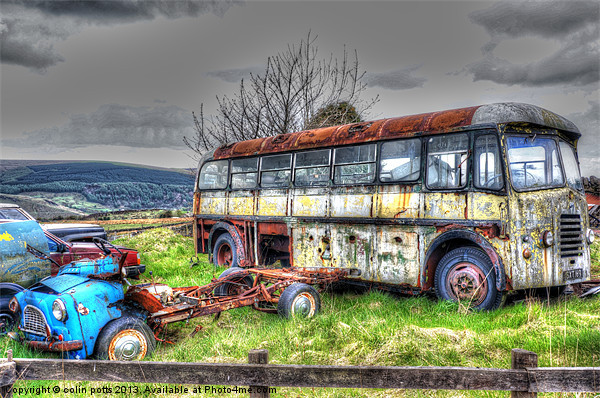 Seen better days! Canvas Print by colin potts