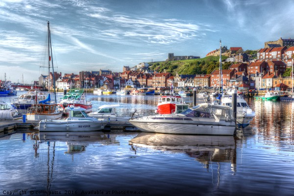 Fishing boats in Whitby Harbour Canvas Print by colin potts