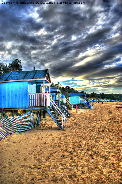 Old English Beach Huts Canvas Print by chris wood