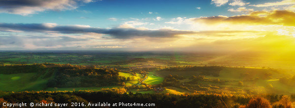 Road to the Vale Canvas print by richard sayer