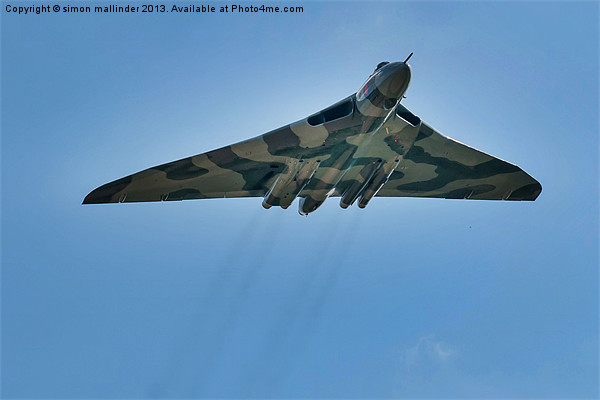 vulcan bomber Canvas print by simon mallinder