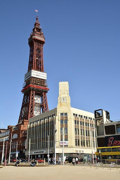 Blackpool Tower Canvas print by Gary Kenyon