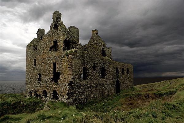Dunskey castle Canvas print by Thanet Photos