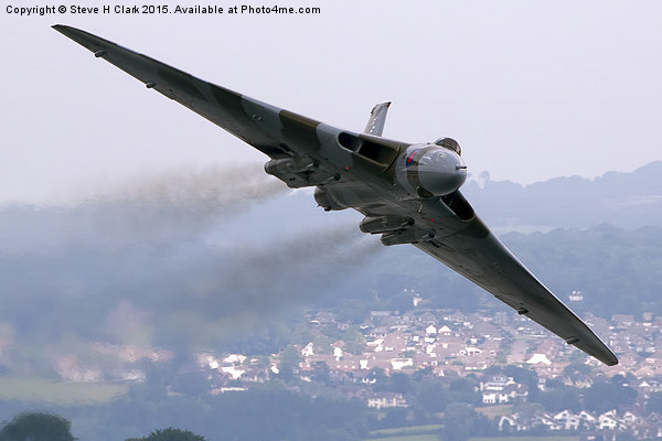 Avro Vulcan - Dawlish Air Show 2015 Canvas Print by Steve H Clark