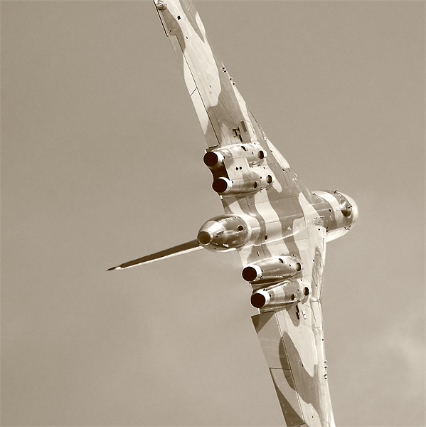 Vulcan To The Sky Canvas print by Dan Kemsley