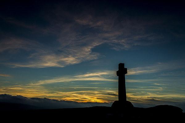 Stone cross of Dartmoor Canvas Print by Steven Dunn-Sims