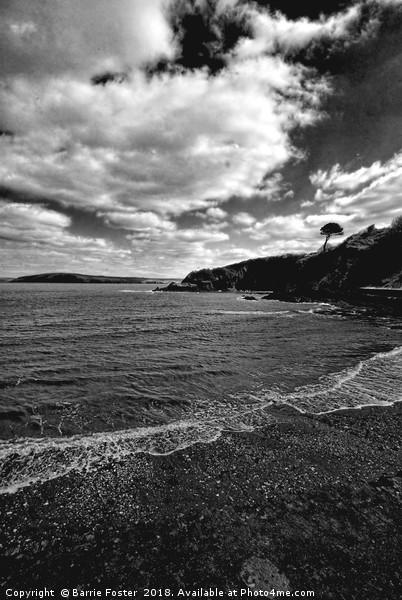 The Beach at Cwm yr Eglwys Canvas print by Barrie Foster