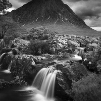 Buy canvas prints of  Buachaille Etive by Les McLuckie
