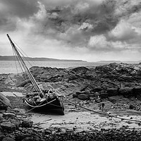 Buy canvas prints of Portencross boat  by Les McLuckie