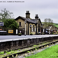 Buy canvas prints of Oakworth railway station. by Frank Irwin
