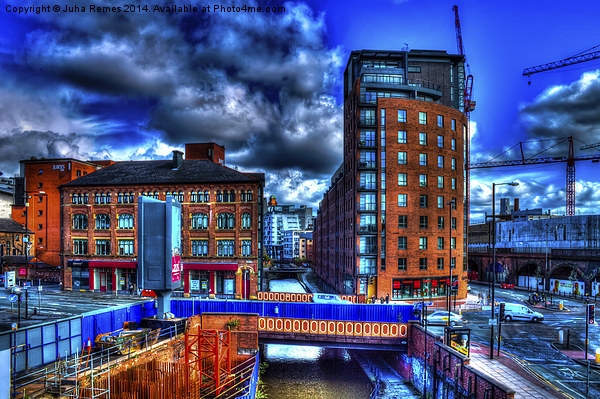 Manchester Cityscape Canvas Print by Juha Remes