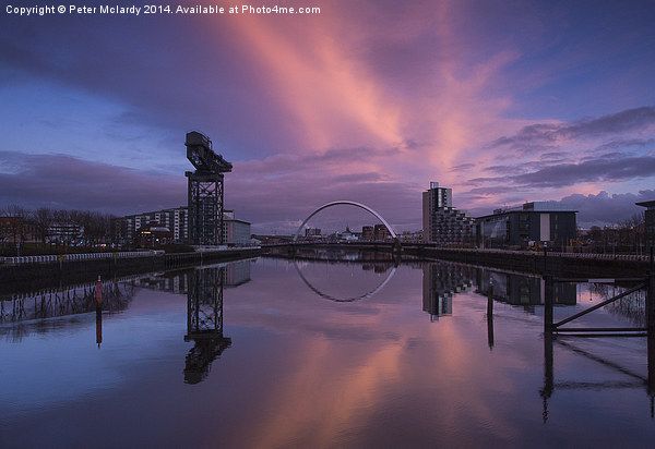 Glasgow at sunset ! Canvas print by Peter Mclardy