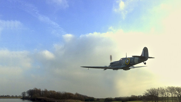 Spitfire Canvas print by Victor Burnside