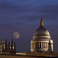 Buy canvas prints of St Pauls by Victor Burnside
