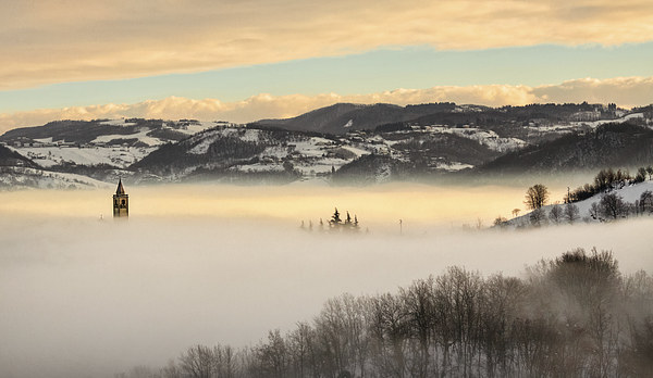 A sea of fog Canvas print by Guido Parmiggiani
