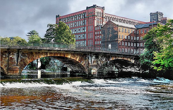 EAST MILL ON RIVER DERWENT Canvas print by len milner