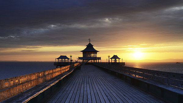 On Clevedon Pier Sunset Canvas print by Carolyn Eaton