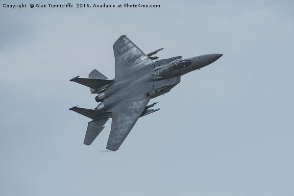 USAF f15 Canvas print by Alan Tunnicliffe