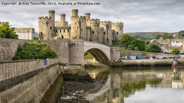 Conwy Castle Canvas print by Alan Tunnicliffe