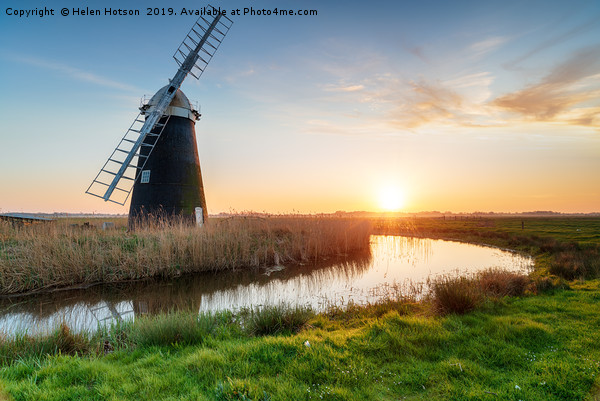 Halvergate Windmill on the Norfolk Broads Canvas print by Helen Hotson
