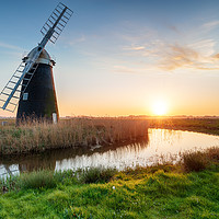 Buy canvas prints of Halvergate Windmill on the Norfolk Broads by Helen Hotson