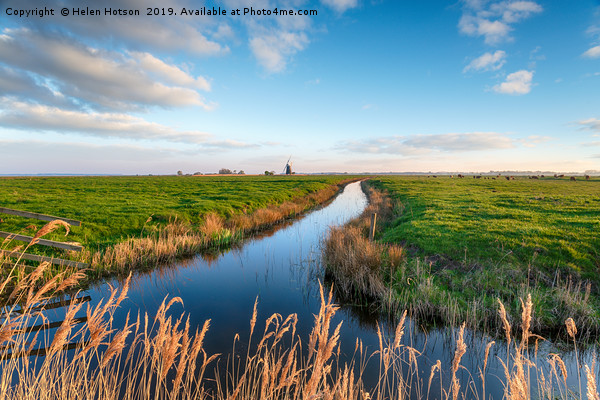 Looking out over Halvergate Marshes to Mutton's Mi Canvas print by Helen Hotson