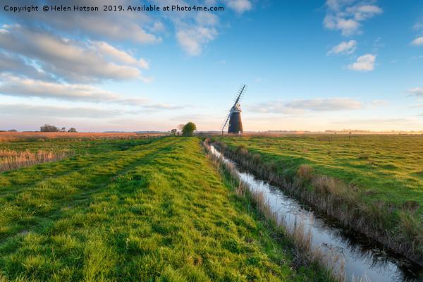 Halvergate Windmill Canvas print by Helen Hotson