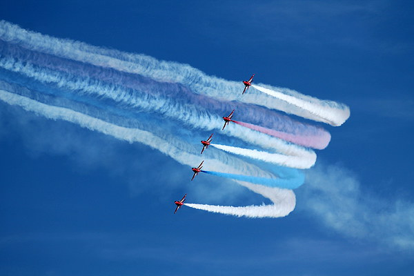 Red Arrows Formation Turn Canvas print by James Innes
