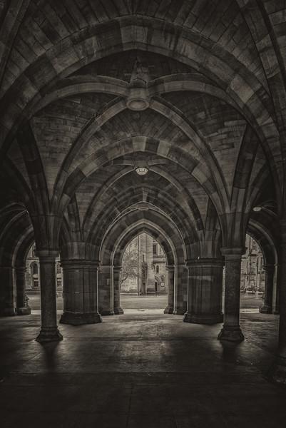 Glasgow University Cloisters Canvas print by Antony McAulay