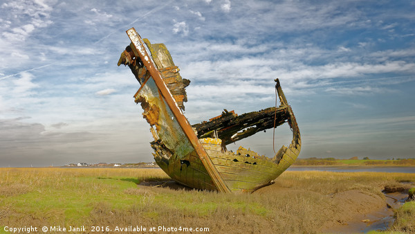 Fleetwood Wreck Canvas Print by Mike Janik