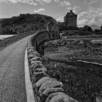 Buy canvas prints of Eilean Donan by Mark Robson