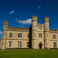 Buy canvas prints of Leeds Castle by Mark Robson