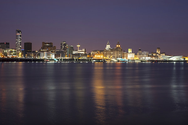 Liverpool Waterfront at Night Canvas print by Dave Wood
