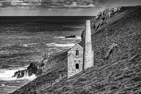 old cornish tin mine Canvas Print by Kevin Britland