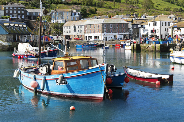 mevagissey cornwall Canvas Print by Kevin Britland