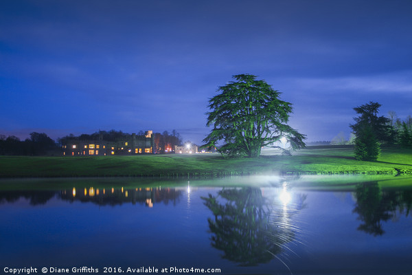Leeds Castle at Night Canvas print by Diane Griffiths