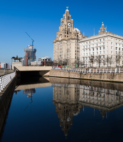 Reflections of the Liver Building Canvas print by Jason Wells