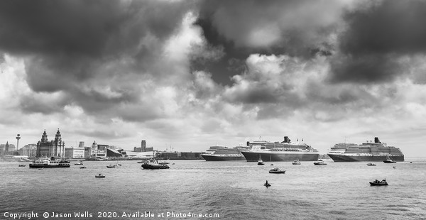 Three Queens in monochrome Canvas print by Jason Wells